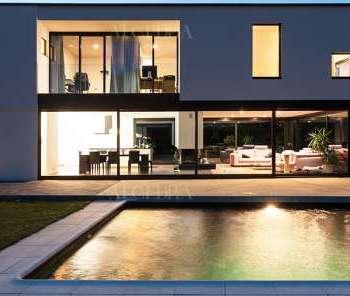 Modern Villa Swimming Pool