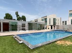 عملية تصميم الحدائق الداخلية للفلل من قبل مجموعة الكيدرا في ميدان دبي